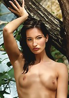 Marion is posing by the fig tree this time for us with her perfect body
