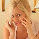Exciting blonde Elise