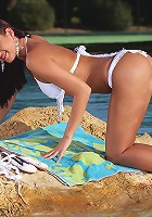 Isabella - Sizzling vixen dildos by the pool